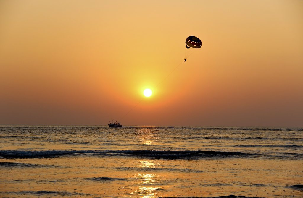 Parasailing in deep sea in Tarkarli